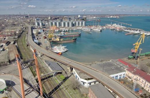 В Одесском морском порту планируют реконструировать зерновой терминал
