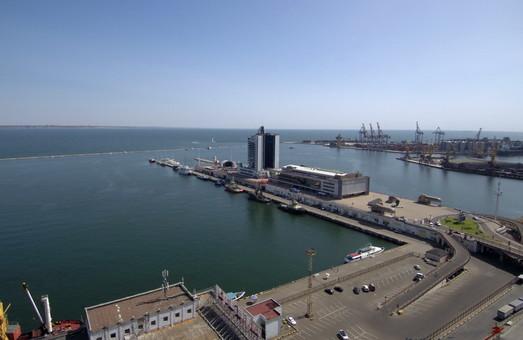 Сколько пассажиров обслужили порты Одессы и Черноморска