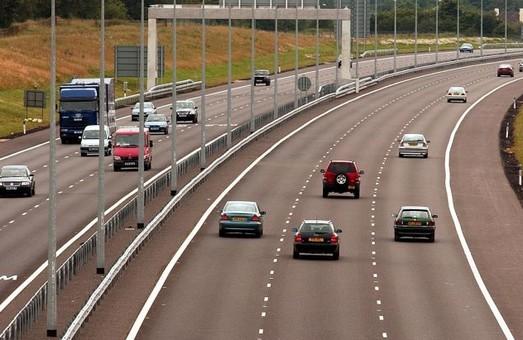 В Украине уже разрабатывают технико-экономическое обоснование строительства трех платных автодорог
