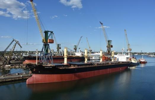 Ильичевский судоремонтный завод провел первую модернизацию балластной системы судна по современным стандартам