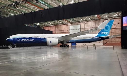 Компания  «Boeing» представила самый длинный пассажирский самолет в мире