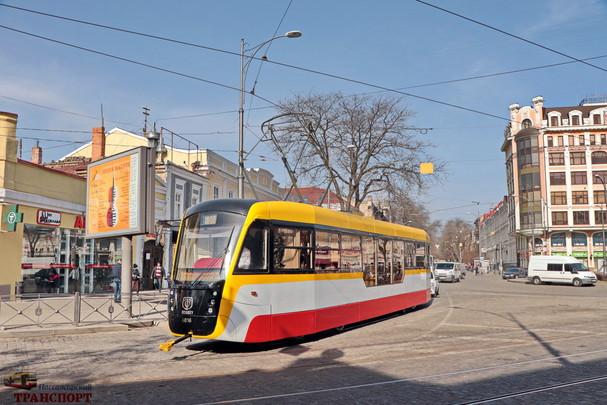 Одесский горсовет принял программу развития электротранспорта: 67 новых трамваев и 14 электробусов