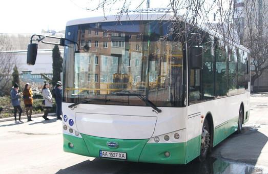 Китайский электробус «SKYWELL» приехал на испытания в Полтаву