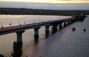 В Николаеве запретили проезд тяжелых грузовиков по Варваровскому мосту на трассе из Одессы