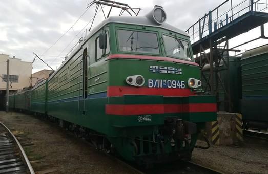 В локомотивном депо Мукачево продолжают капитальный ремонт магистральных электровозов