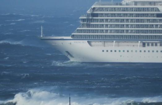 У побережья Норвегии потерпел бедствие круизный лайнер «Viking Sky»