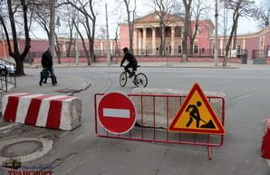 В Одессе на улице Софиевской уже начали демонтаж трамвайных путей (ФОТО)
