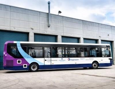 В Великобритании испытывают 12-метровый беспилотный автобус