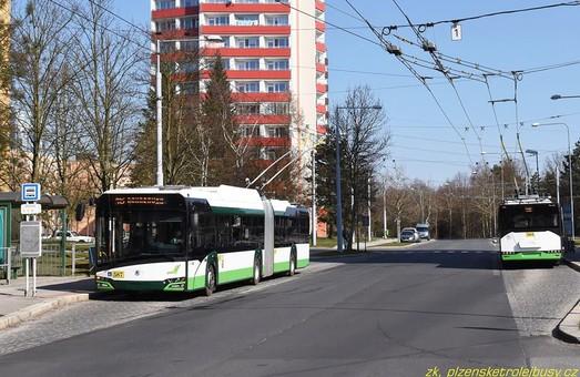 В Пльзене новые троллейбусы-«гармошки» уже начали возить пассажиров