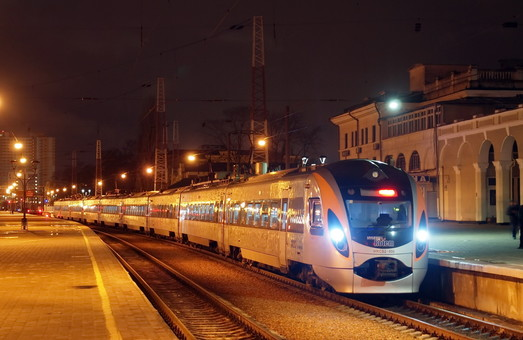 В последний день марта изменится график движения скоростного поезда Одесса – Киев