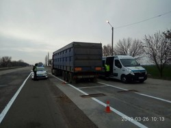 На въезде в Николаев со стороны Одессы ввели обязательное взвешивание грузовиков