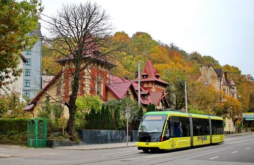 Завод «Электрон» прокомментировали новую ливрею львовских трамваев и троллейбусов