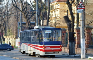 Фото дня: пять лет назад в Одессе запустили трамваи-челноки по Французскому бульвару