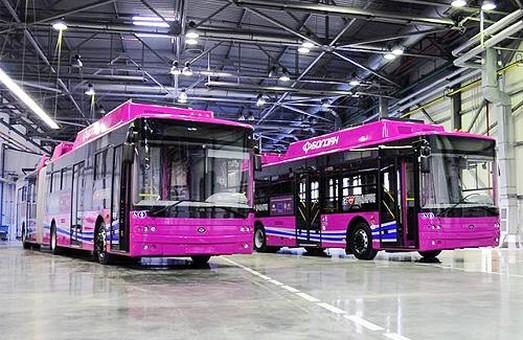 В этом году сразу два производителя обещают начать выпуск троллейбусов с автономным ходом 20 километров