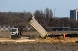 В Международном аэропорту Одессы уже построили половину новой взлетно-посадочной полосы и строят рулежную дорожку