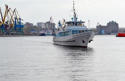 С 15 апреля в Николаеве начнет курсировать речной трамвайчик