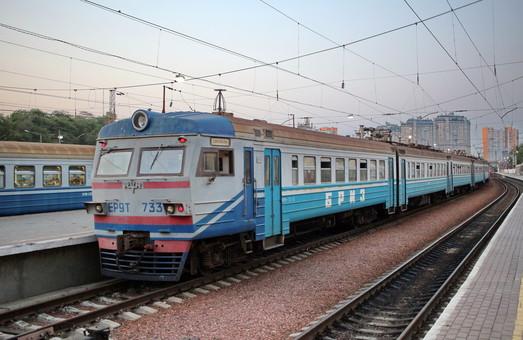 За первые два месяца украинцы купили на 15% больше билетов в пригородных поездах