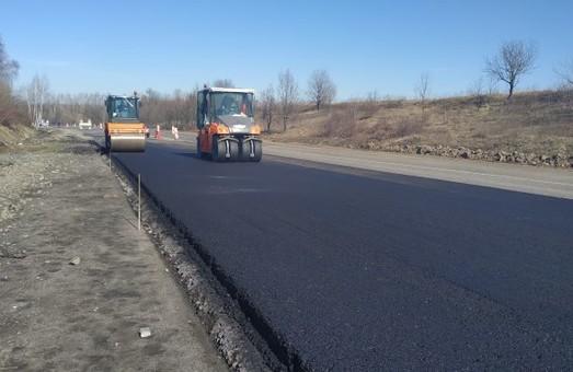 На участках международного автомобильного коридора «Go Highway» из Одессы в Польшу начались ремонтные работы