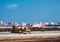 Подрядчик обещает, что новая взлетно-посадочная полоса в аэропорту Одессы будет не хуже чем в Стамбуле