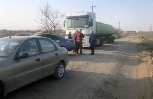 Водители тяжелых фур стараются объезжать весовые комплексы, установленные на автотрассах Одессой области