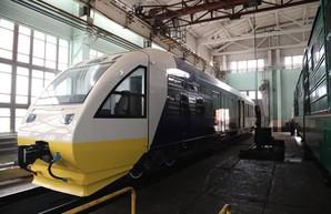«Укрзализныця» модернизировала еще один рельсовый автобус для линии «Kyiv Boryspil Express»