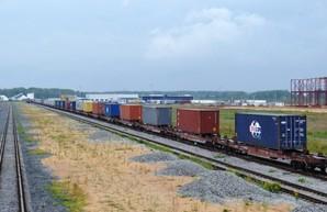 С начала апреля в Украине появилось два новых контейнерных поезда