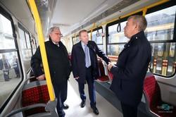 На «Южмаше» показали, как идет сборка трамваев для Александрии