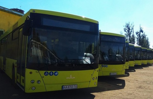 Во Львове еще на один автобусный маршрут выехали большие автобусы