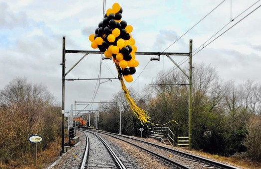 Все больше задержек поездов в Великобритании вызывают… воздушные шары