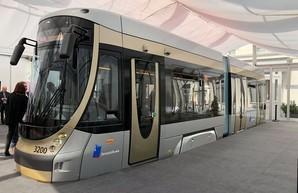 Макет нового трамвая для Брюсселя презентовал сам король Бельгии