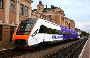 «Укрзализныця» сократила закупки у КВСЗ пассажирского подвижного состава