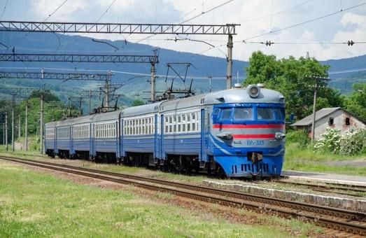 На Львовской железной дороге проводят ремонт путей в направлении Закарпатья
