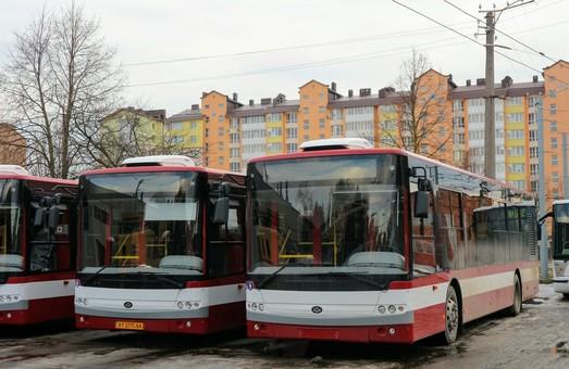 За год коммунальные автобусы Ивано-Франковска перевезли более 2,5 миллионов пассажиров