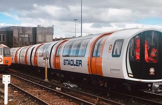 Столица Шотландии начала получать новые поезда метрополитена, построенные «Stadler»