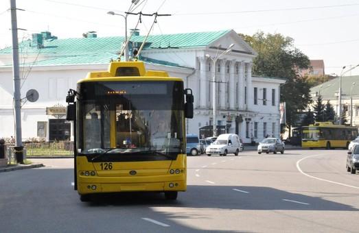 В Полтаве никак не могут принять решение о повышении стоимости проезда в городских автобусах