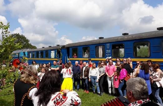В субботу на Закарпатье курсировал «винный поезд»