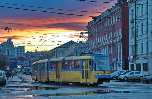 Первые два многосекционных трамвая для Одессы уже купили, скоро их соберут
