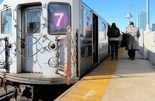 Поезда линии метро «7 Flushing» в Нью-Йорке начали курсировать в автоматическом режиме