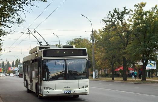 В Николаеве пять человек закончили курсы водителей троллейбуса