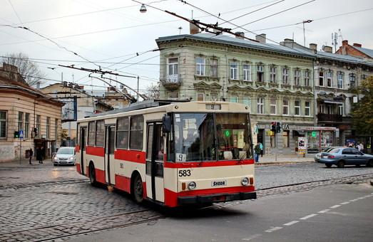 Во Львове проводят ремонт кабельных линий питания контактных сетей электротранспорта