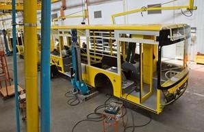 В Луцке показали, как идет производств троллейбусов для Киева и Харькова