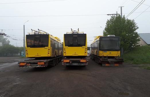 В Черновцы из Днепра прибыло три новых троллейбуса
