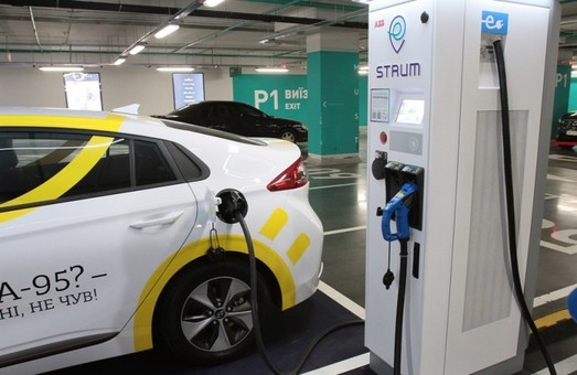 """Как у """"Тесла"""": на трассе Киев – Одесса появятся скоростные зарядные станции для электромобилей"""