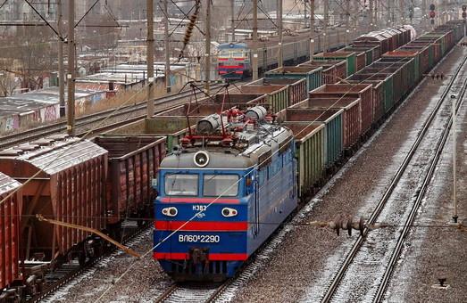 Станции Одесского железнодорожного узла с января по апрель погрузили около 4 тысяч вагонов