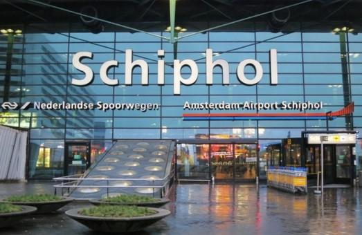 Забастовка транспортников частично парализовала работу аэропорта Схипхол в Амстердаме