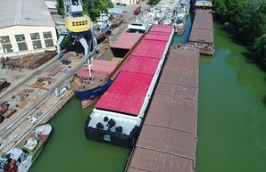 Судостроительный завод в Измаиле построил еще одну 80-метровую баржу для компании «Грейн-Трансшипмент»