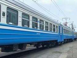В Киеве отремонтировали електричку ЭР9М-514