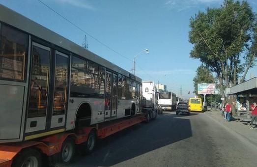 В Днепр из Минска прибыли кузова для троллейбусов