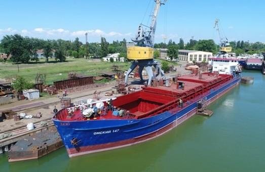 В Измаиле модернизировали балкер «Омский – 147»