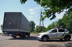 Жители Усатово под Одесской блокируют проезд большегрузного транспорта по улицам села